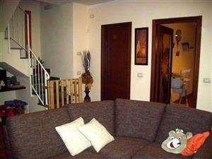 vendita appartamento montevarchi levane  175000 euro  4 locali  90 mq